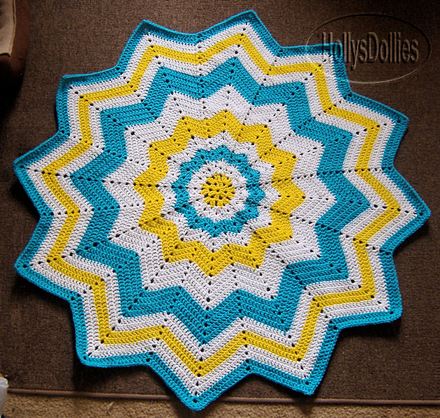 Hollys Crafts Blog: Round Ripple Baby Blanket