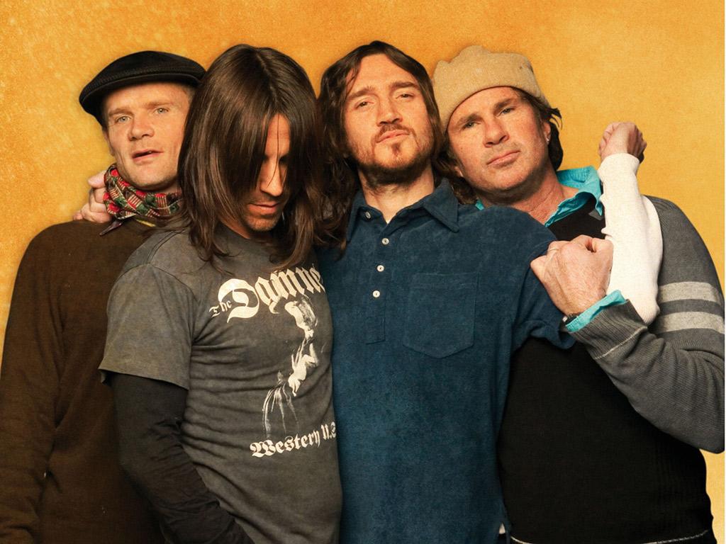 http://1.bp.blogspot.com/-vwbFAUc4gVI/TmOhxa9Od-I/AAAAAAAABFQ/-3lMF3-EqFA/s1600/Red-a-Chili-Peppers-Wallpapers-15.jpg