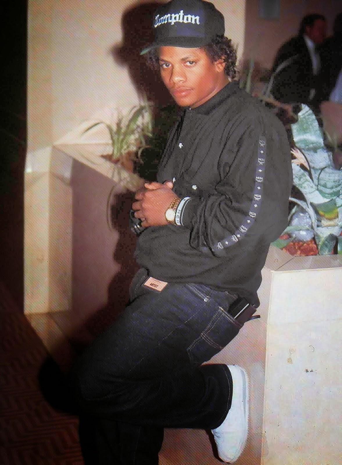 In Memorian Eazy-E Nascimento: 7 de setembro de 1963-Falecimento: 26 de março de 1995