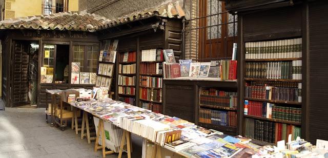 Librería por las calles de Quevedo