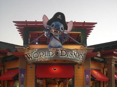 A maior loja de artigos Disney em Orlando - FL