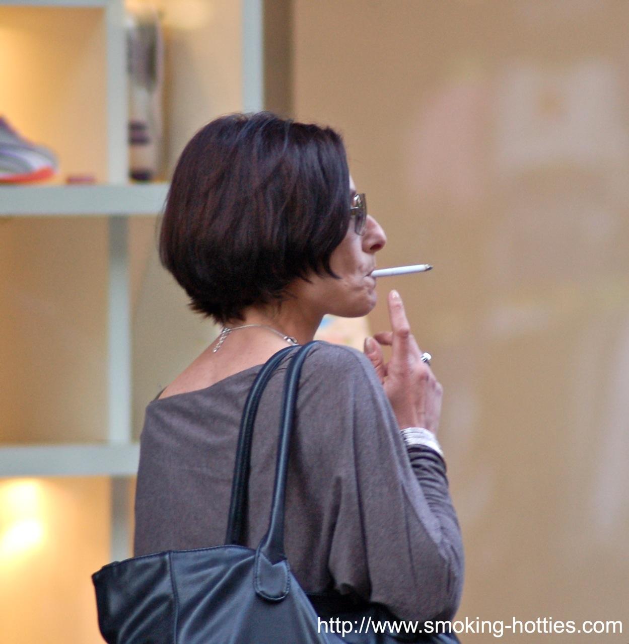 First woman mature smoking hotties.com que pasa
