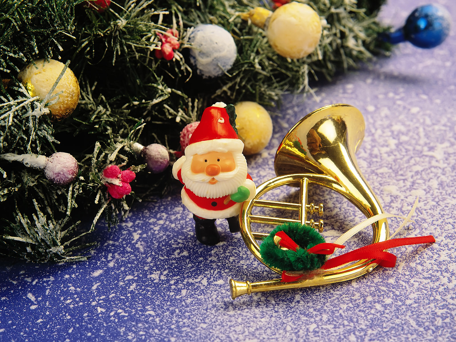 http://1.bp.blogspot.com/-vx6r8JWESiU/Tq_TMk_1SLI/AAAAAAAAP3w/fGuQl7CHmr8/s1600/Mooie-kerstman-achtergronden-leuke-kerstman-wallpapers-afbeelding-plaatje-foto-26.jpg