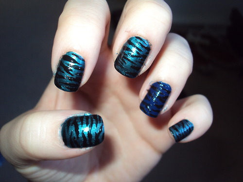 Black Striped Blue Background Nail Art