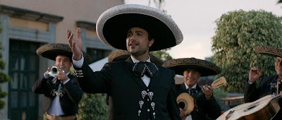 PULLING-STRINGS-Comedia-Romantica-Bilingue-Protagonizada-Jaime-Camil-Omar-Chaparro-Cines-OCTUBRE