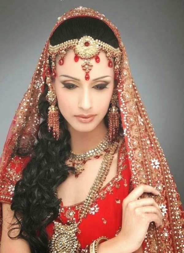 The Best Indian Wedding Hairstyles Worth To Try