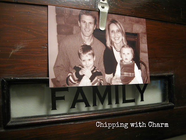 Chipping with Charm: Gallery Wall Family...www.chippingwithcharm.blogspot.com