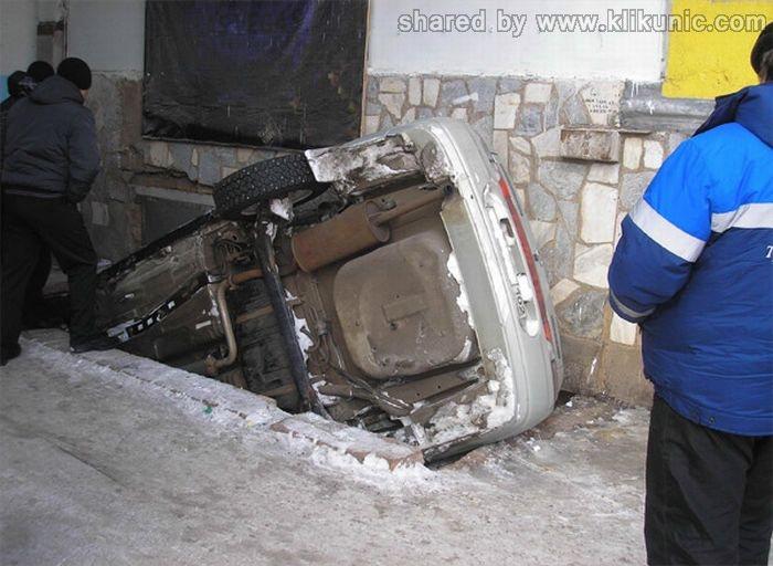 http://1.bp.blogspot.com/-vxPVIIogloI/TW97R_h4_-I/AAAAAAAAPr0/3jKI07Wq8SI/s1600/crash_05.jpg
