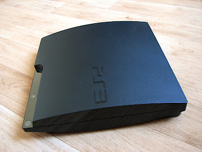 De zijkant van de Sony PlayStation 3 Slim