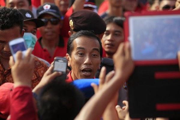 Ini Daftar Kebijakan Jokowi Paling Aneh