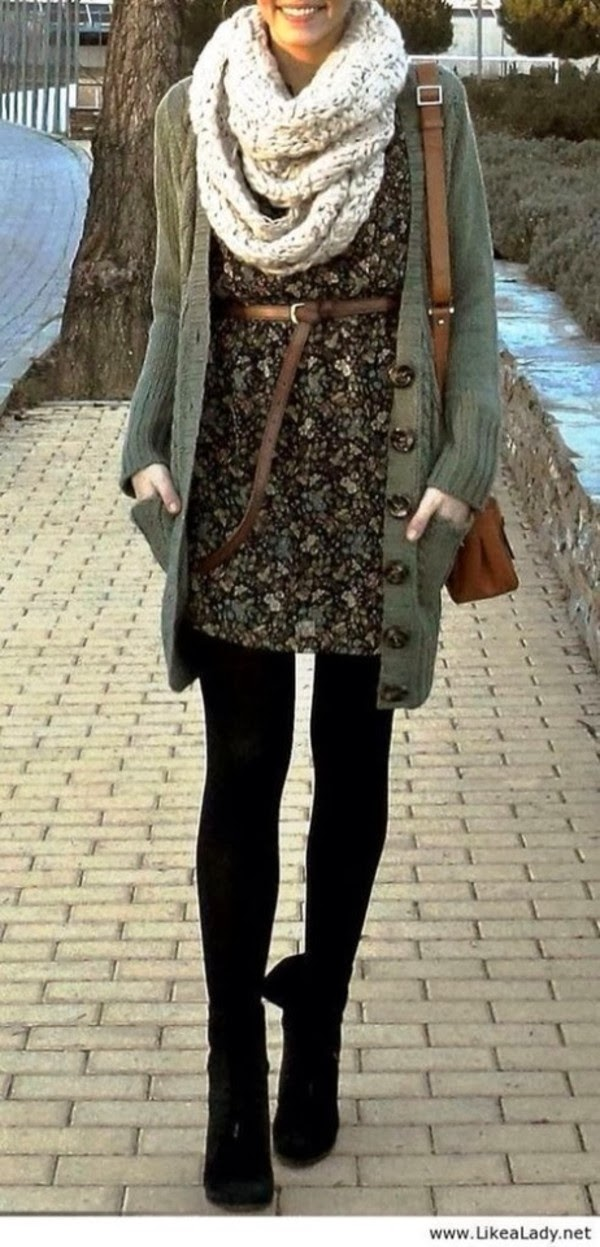 Amazing white scarf, cardigan, dress and black leggings
