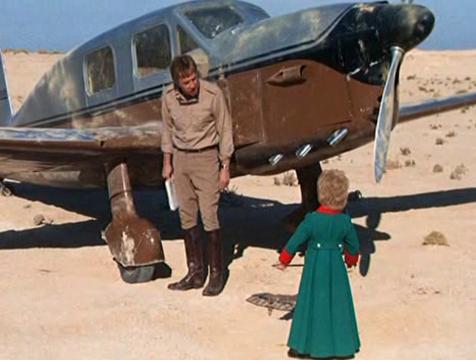 El piloto (Richard Kiley) y el Principito (Steven Warner) en la película de Stanley Donen (1974) - Cine de Escritor