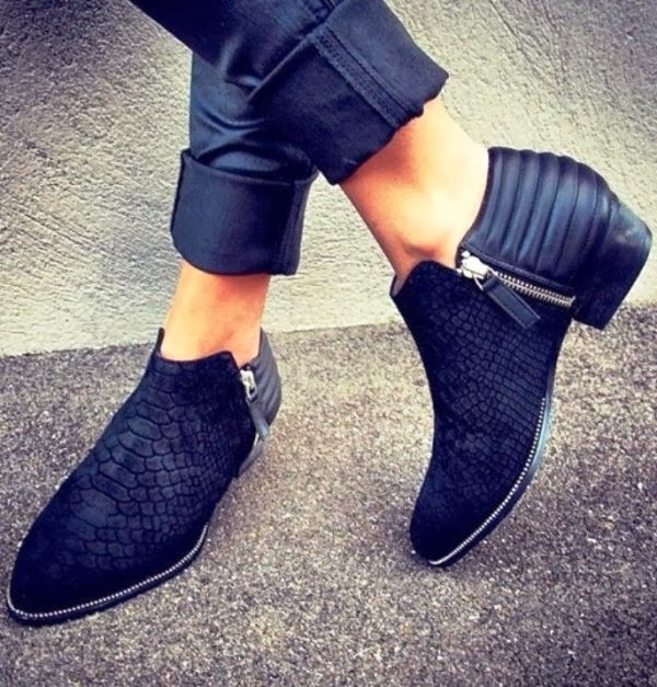Attractive side zip black shoe fashion