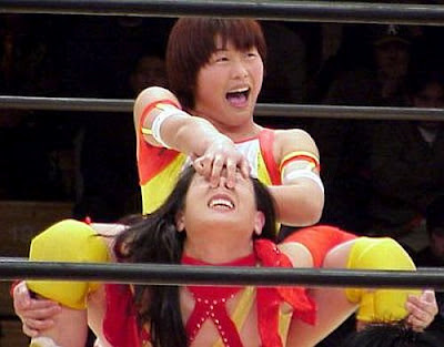 japanese female wrestling, asian female wrestling, asian women wrestling, camel clutch