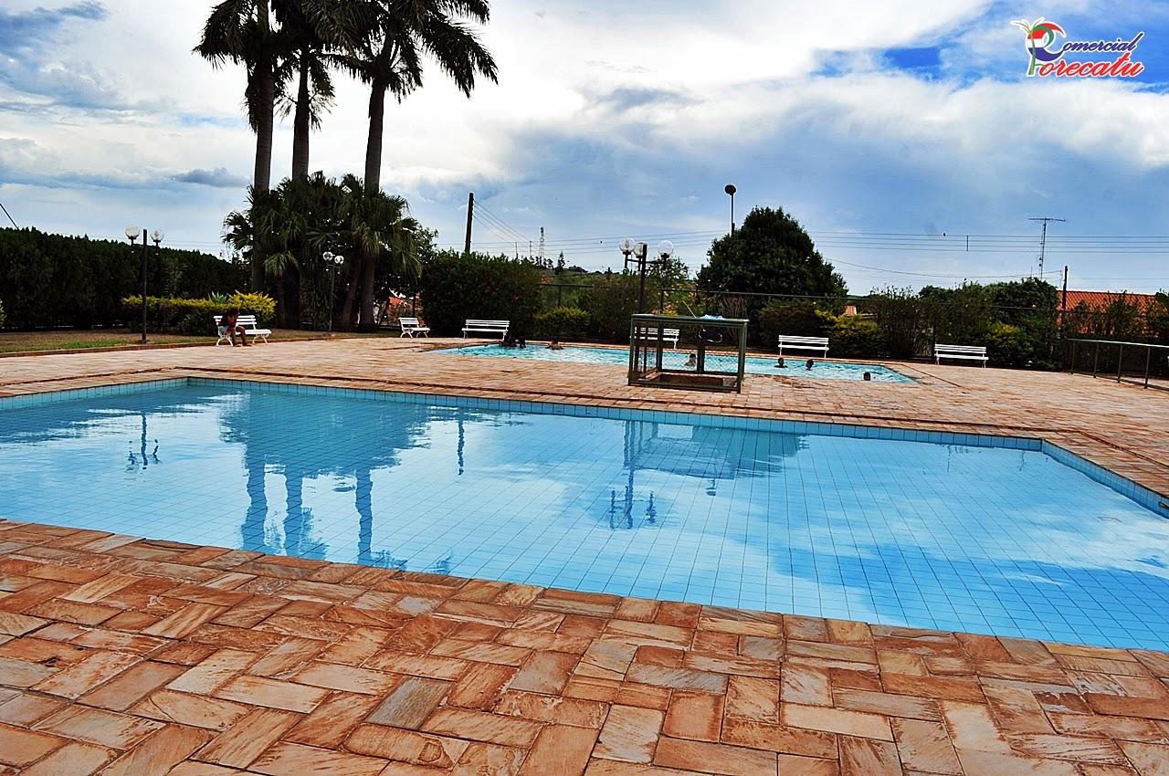 Comercial porecatu piscina p blica porecatu pr for Piscina publica zaragoza