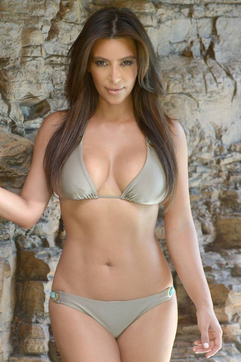 Kim Kardashian – Bikini Photoshoot in Miami