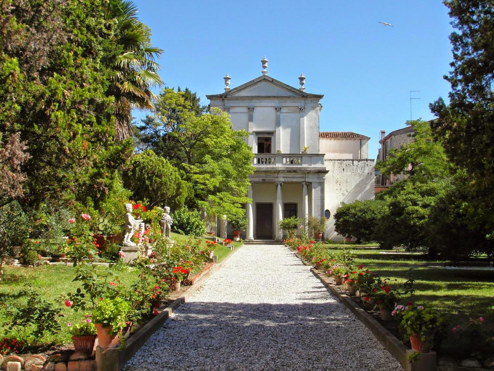 The garden of the Ca' Zenobio in Venice
