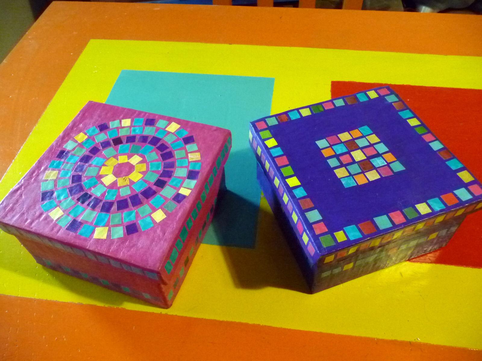 Arte papel cart n y papel - Cajas forradas de papel ...