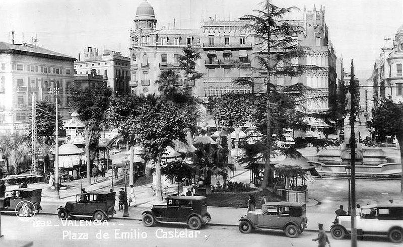 Valencia antigua plaza del ayuntamiento ergo ipso facto for Fotos antiguas de valencia