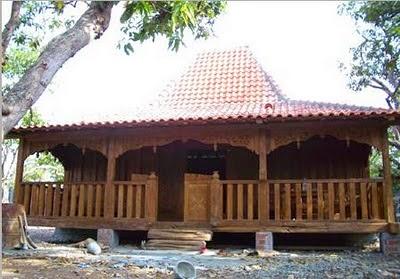 Rumah Adat Provinsi Jawa Tengah ( JOGLO )