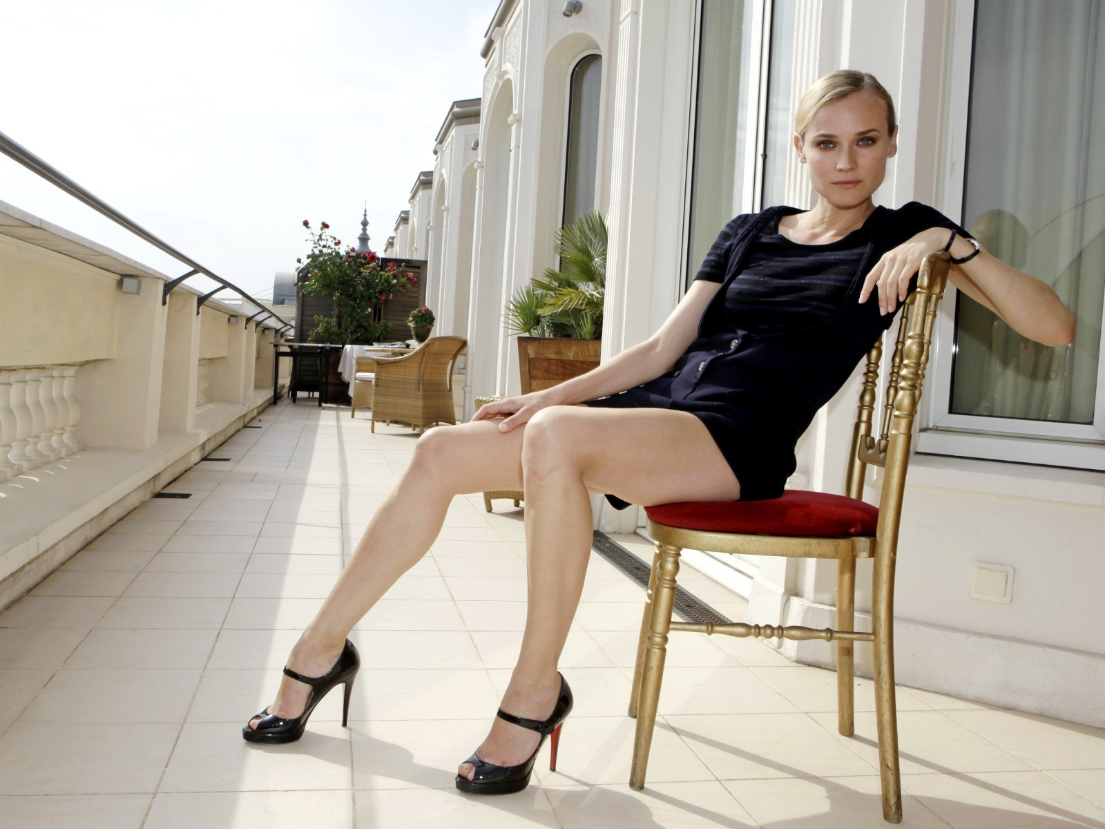 diane kruger corset and stockings nude