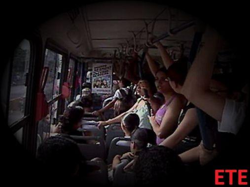 Super lotação em ônibus da ETE revoltam moradores e alunos