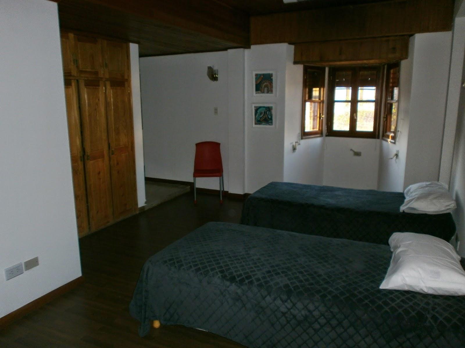 Hostel huellas en neuqu n habitaciones con ba o privado - Habitaciones con bano ...
