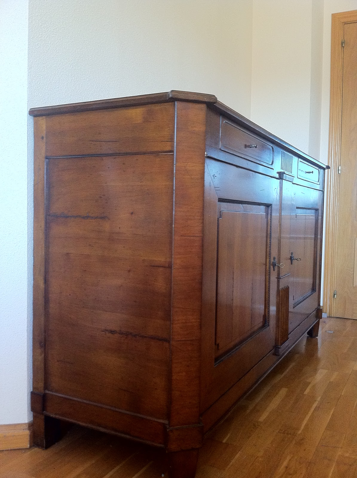 Muebles buena calidad segunda mano aparador modelo luis xvi - Aparador segunda mano ...