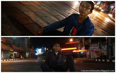 Tugu Jogja duduk di jalan