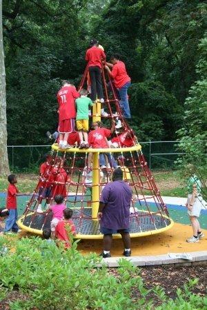 Kidstuff Playsystems Sky Twister, Playground, Image