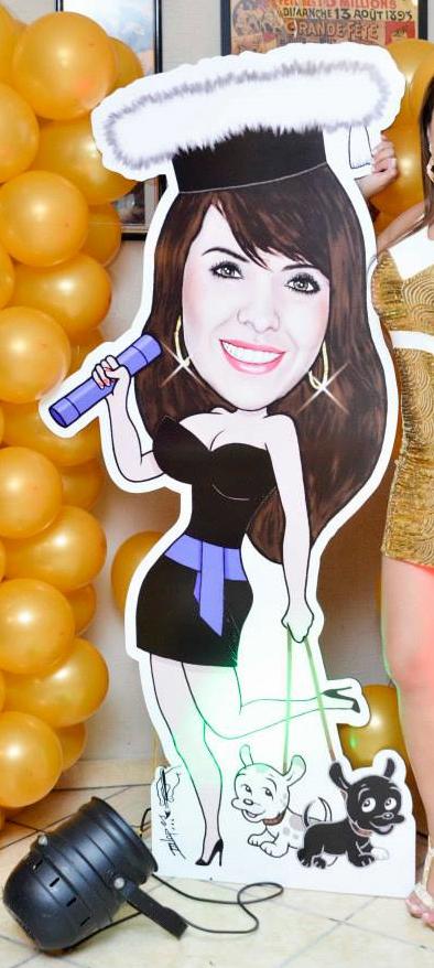 Boneca de caricatura para decorar a festa