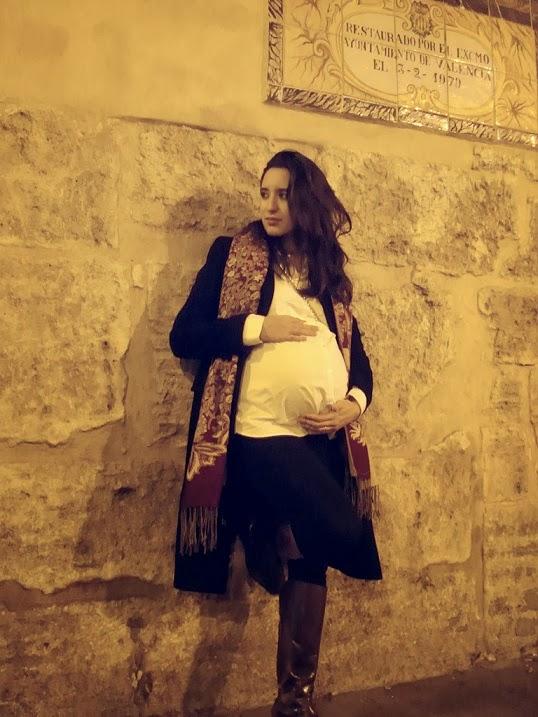 como vestir elegante y ejecutiva en el embarazo ultimos meses