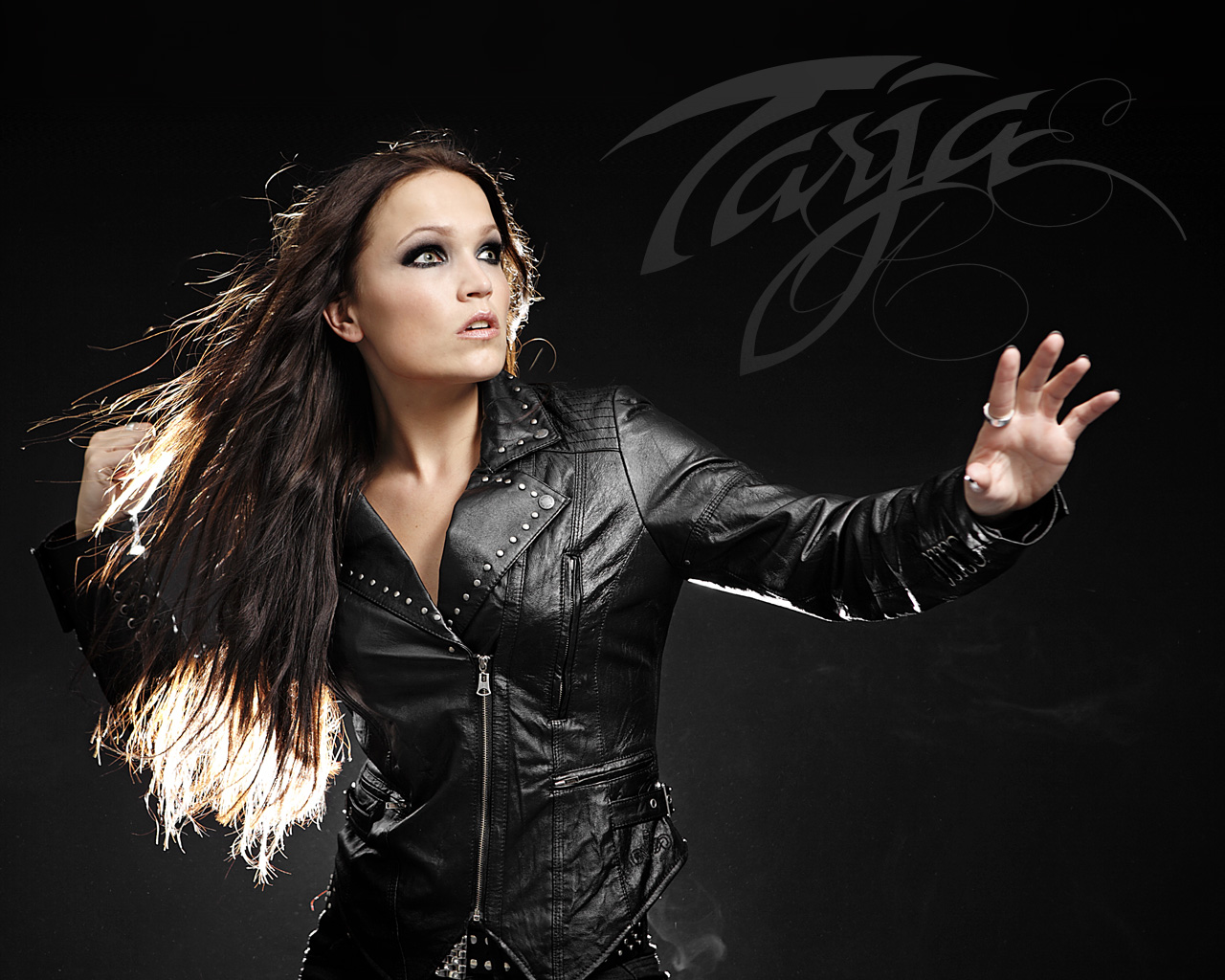 http://1.bp.blogspot.com/-w03t55ucqHw/T-MrqPQsY5I/AAAAAAAAG7c/a4KJkdxr4ys/s1600/Nightwish+symphonic+rock+band+Muse+Heart+wallpaper+tarja+singer.jpg