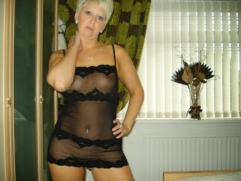 Chico California Sexy Blonde Milf needs to find a casual male partner