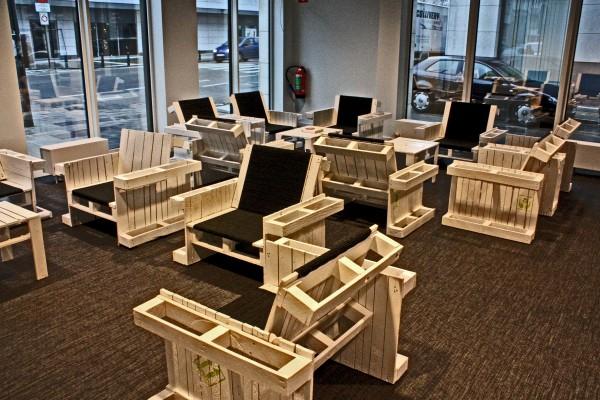 Hacer unos sillones con palets de for Sillon con palets reciclados