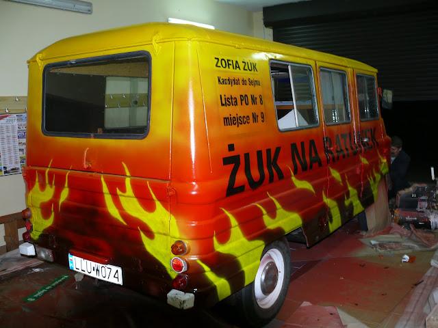 areografia samochodowa, malowanie płomieni na samochodzie, airbrush, artystyczne zdobienie samochodów