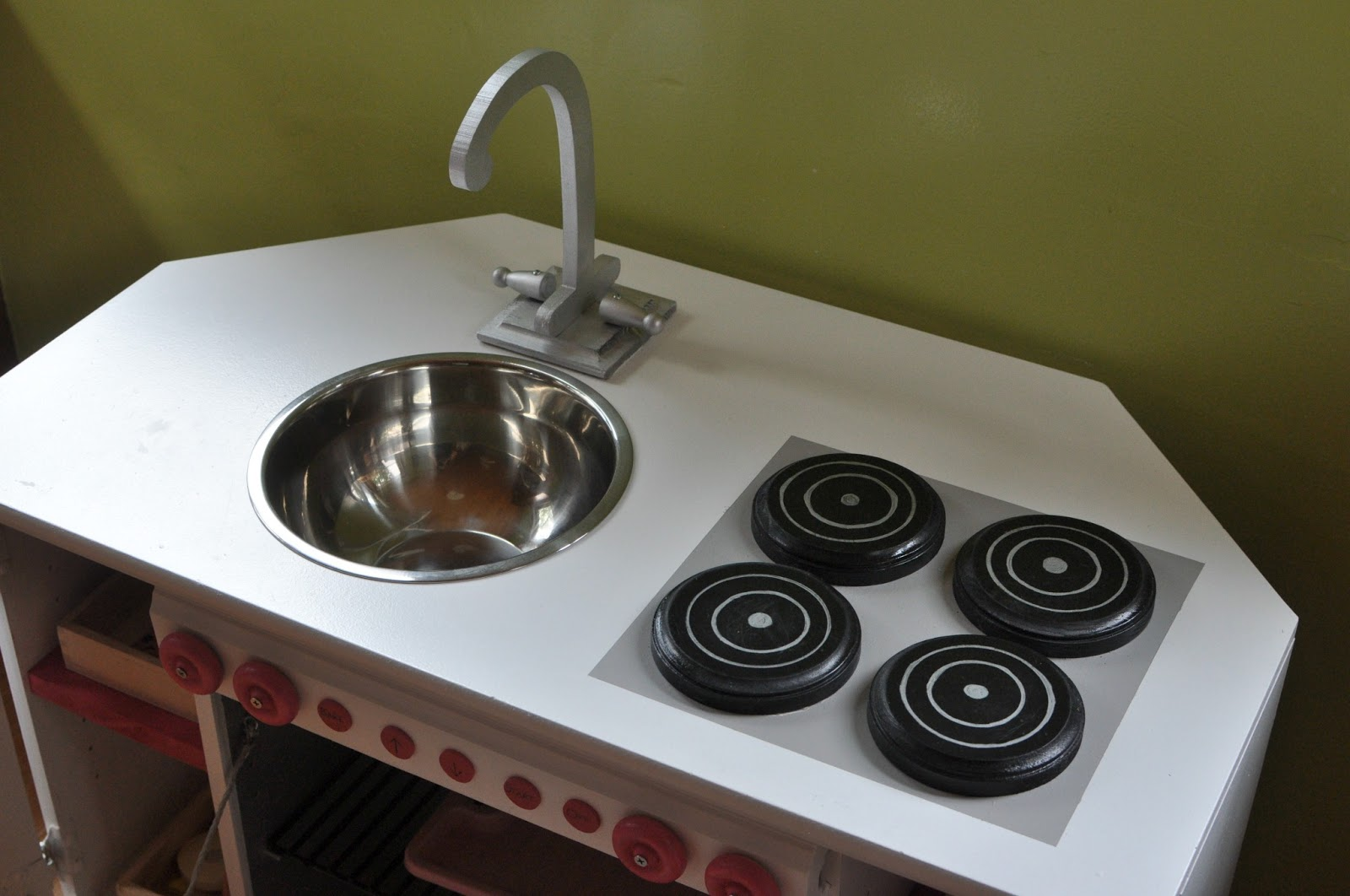 news from alameda: diy play kitchen