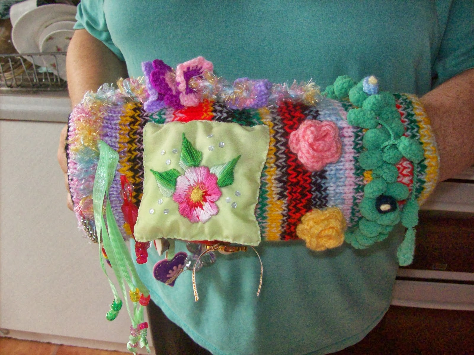 Free Crochet Pattern For Twiddle Muff : Tales From Spring Cottage: Twiddle Muff