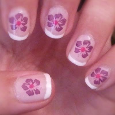 flower manicure