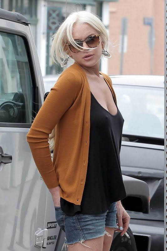 Lindsay Lohan ... Smorking