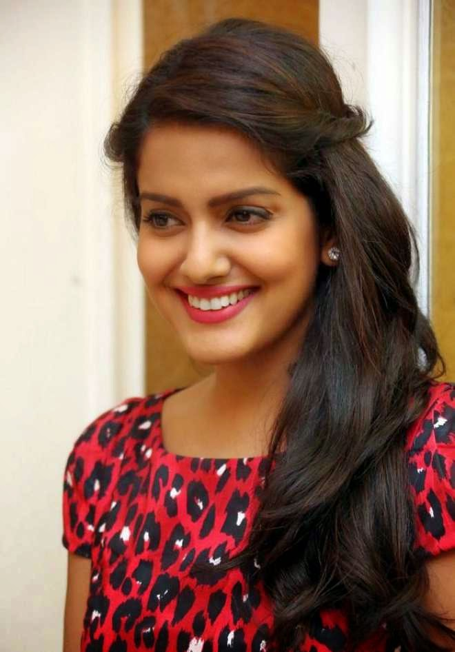 vishakha singh cute photos