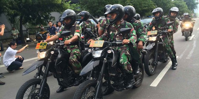 TIM Gultor TNI dan Densus 88 Buru Pelaku Teror Bom