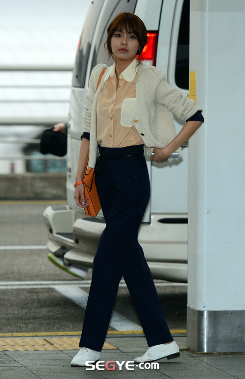 SNSD Di Bandara Incheon 04