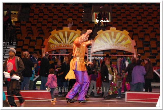 3 Garnets 2 Sapphires Photos From The Ringling Bros Fully Charged All Access Pre Show Party