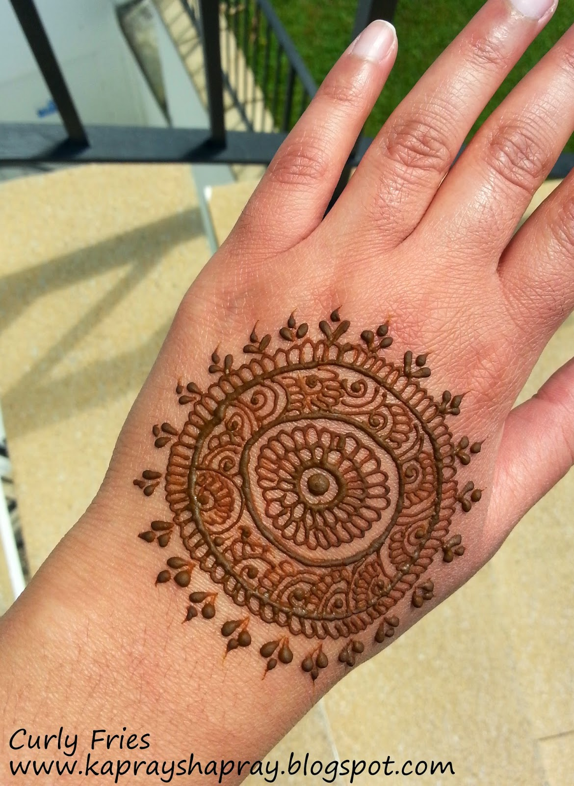 Mehndi Patterns Explained : Curly fries the wedding posts my mehndi trial