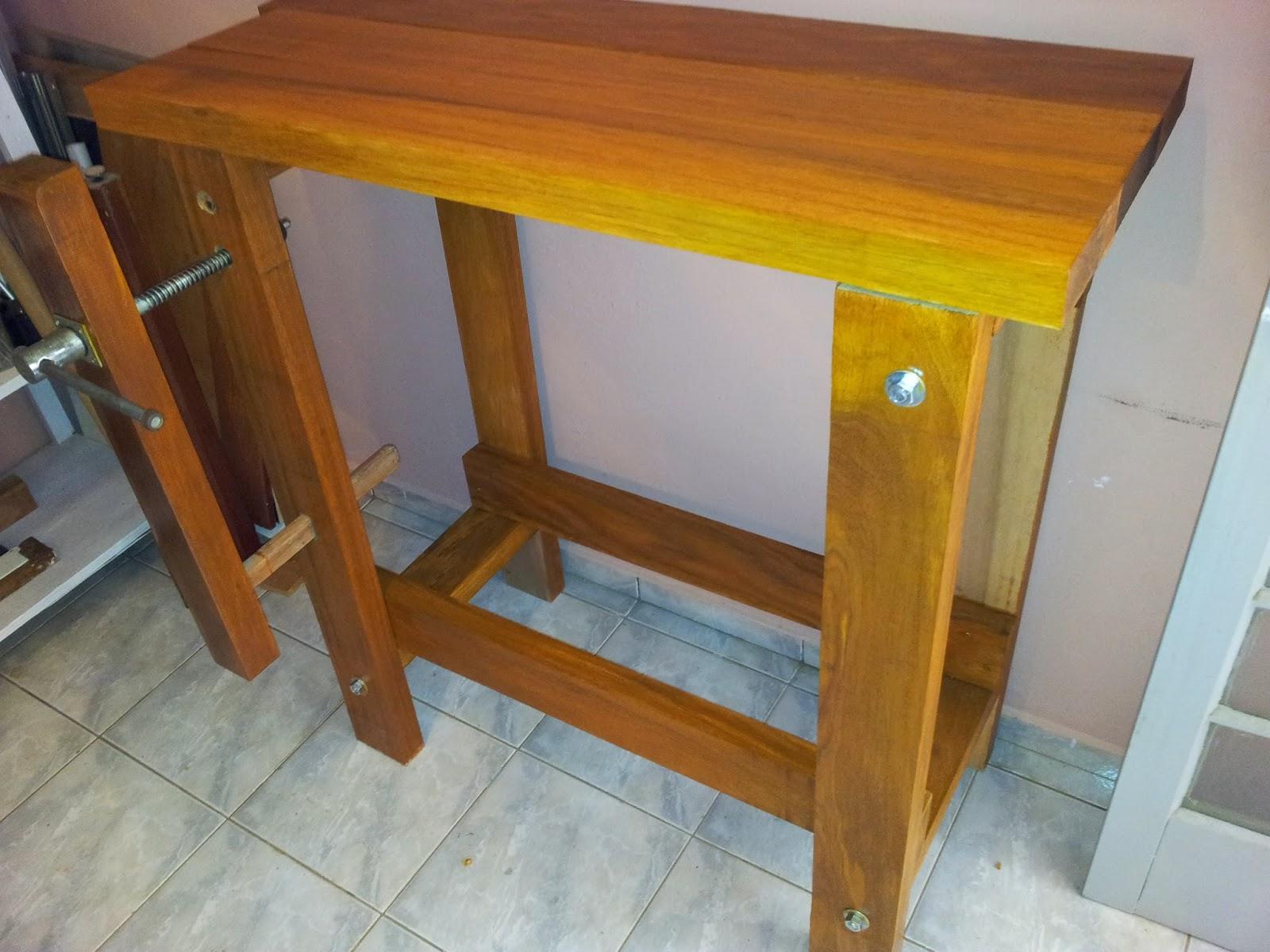 bancada pode ficar só na madeira ou ter algum acabamento eu optei  #B88013 1600x1200
