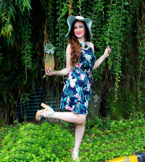 VERO MODA Floral Top, Floral Skater Skirt,Resort Wear, Sun-hat, H&M Tropical Print Block Heels