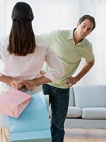 أمور واسرار غريبة تخفيها المرأة عن الرجل  - جنون التسوق - shopping