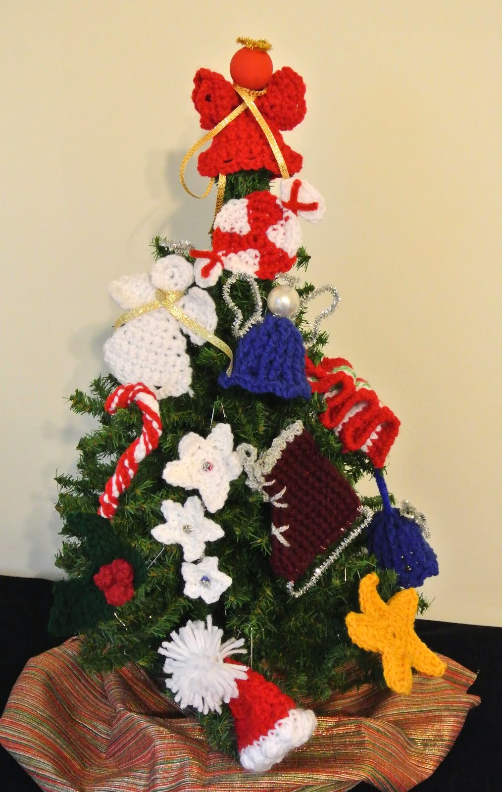 Win a Dozen Crocheted Christmas Ornaments or a $25 Amazon Gift Card