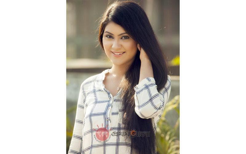Crazy gallery shaina amin bangladeshi popular model for Shaina model